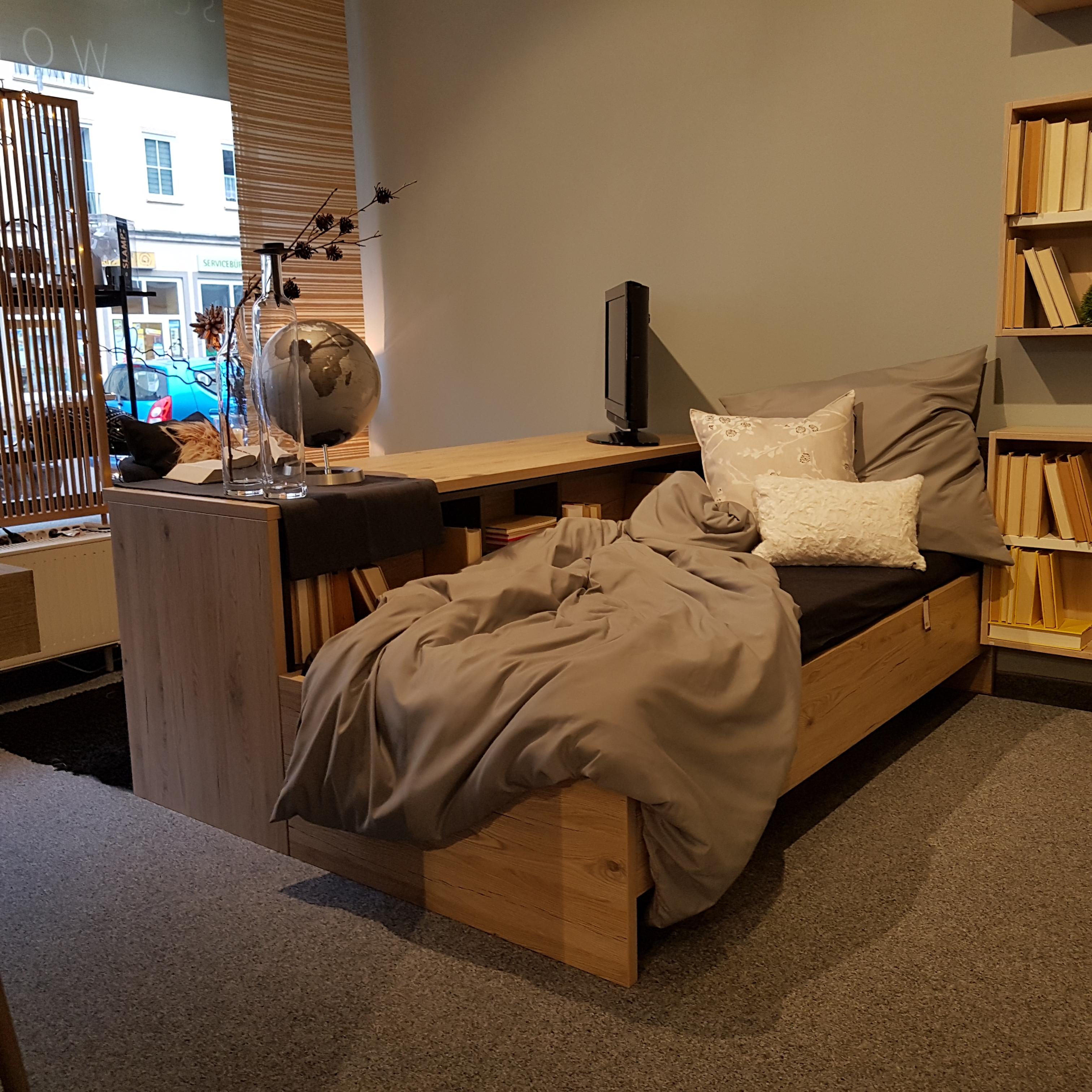 Arbeitsplatz mit Bett - Millimetergenau.de